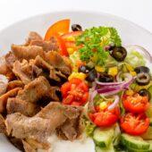 Kebab ja värske salatiga